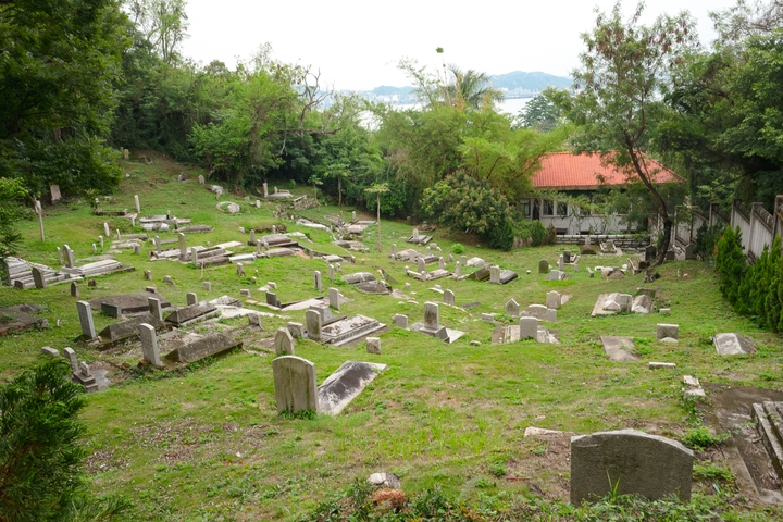 a cemetary in Gulangyu